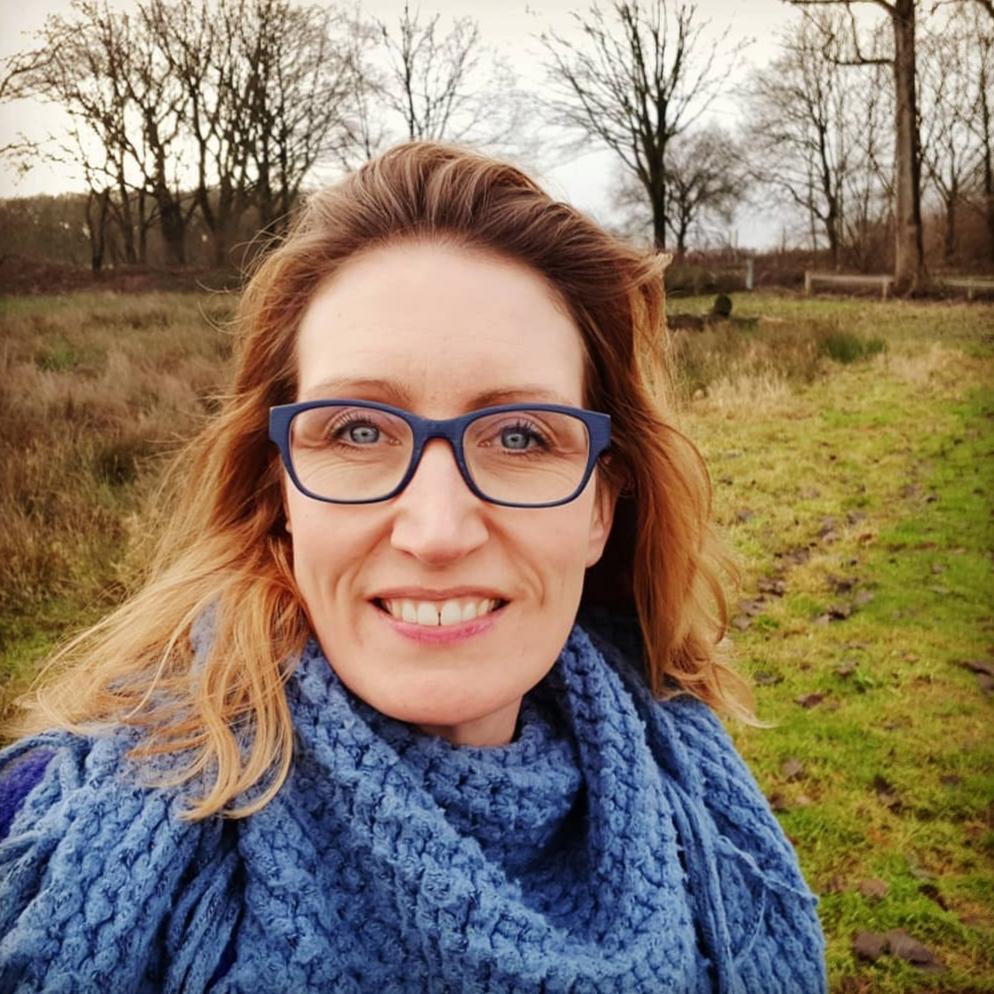 Anne Abrams  - Me